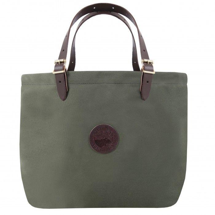 63e8ba38f265 Маленькая сумочка не имеет ручек, но длинная металлическая цепочка обычно  присутствует в виде декоративной детали. Клатчи похожи на кошелек или  косметичку, ...