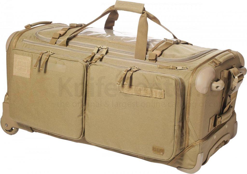 f67e898f3e34 Flap bag — плоская сумка-конверт прямоугольной формы с треугольным  клапаном. Некоторый минимализм форм и линий с лихвой компенсируется яркими  оттенками и ...
