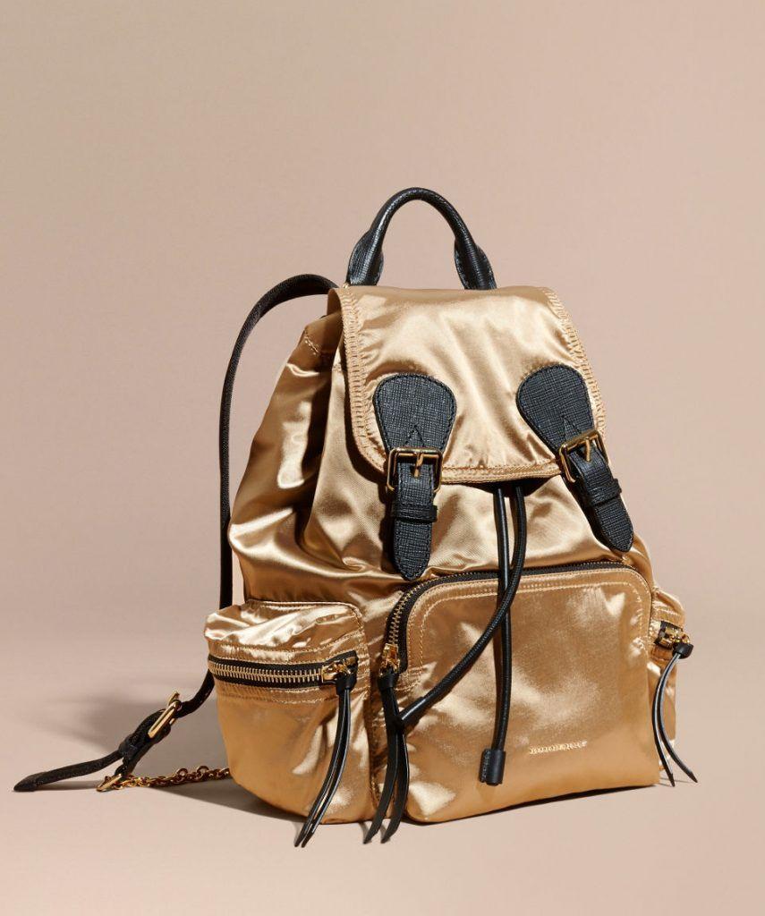 8434b98dfce0 Shopper (сумка для покупок) — вместительная модель самой простой  конструкции с одним большим отделением. Форма прямоугольная или квадратная,  ...